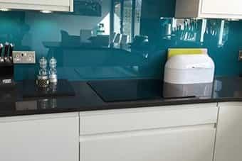 شیشه لاکوبل بین کابینت آشپزخانه - تترافرم