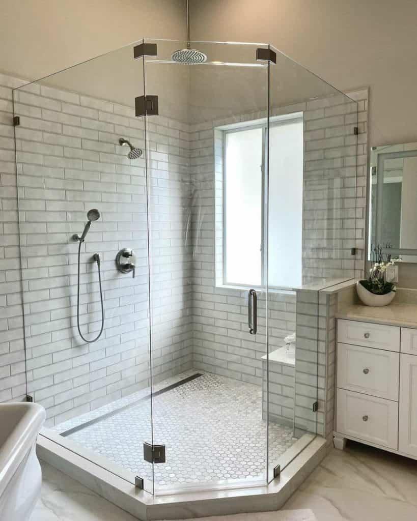 حمام شیشه ای - اقدسیه