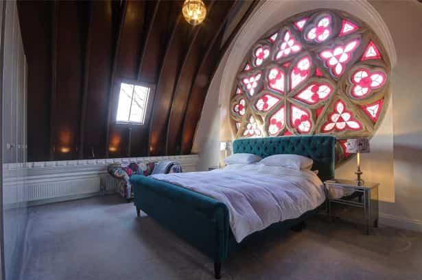 شیشه رنگی در اتاق خواب - تترافرم