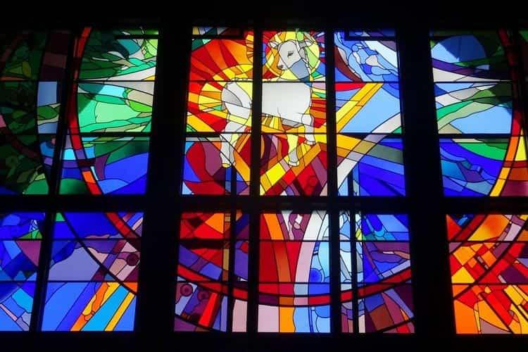 انتخاب انواع شیشه رنگی