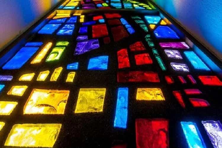 شیشه رنگی در قدیم