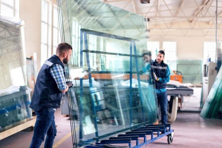 تفاوت نصب شیشه سکوریت با شیشه معمولی
